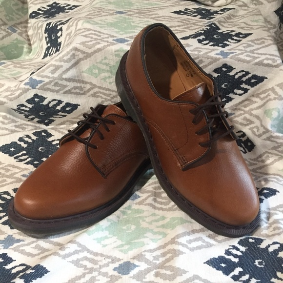 on feet at classic shoes undefeated x Dr. Martens Octavius Brown Oxford Lace Up Shoes 7 NWT